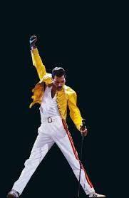 Freddie Mercury: sem limites para a exuberância em busca da divindade